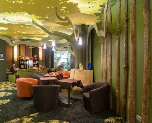 Офис Гугла в Москве сказочный лес